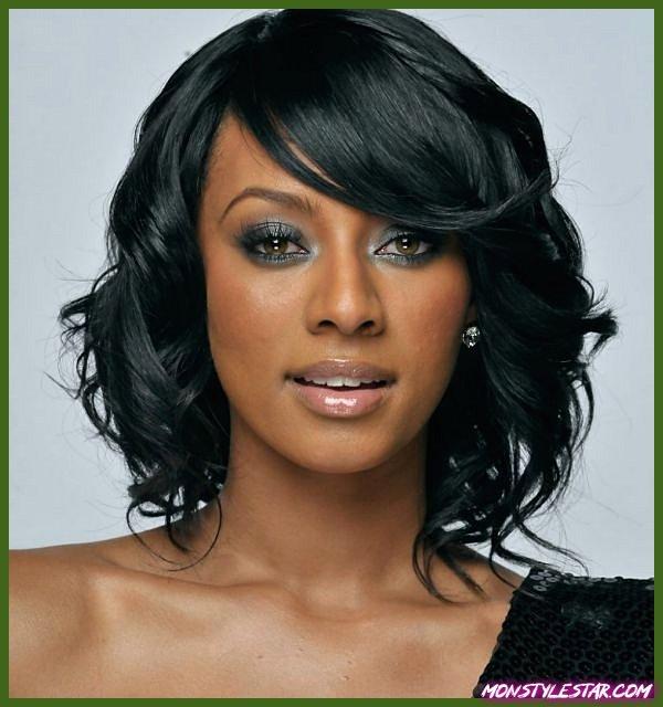 Photo de 15 coiffures courtes de anomalie derrière les femmes noires