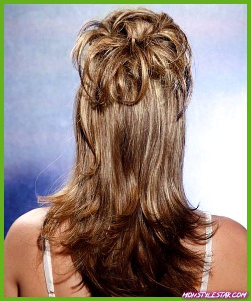 Coiffures Half Updo pour cheveux longs et naturels