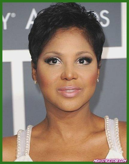 Pixie court pour les femmes noires-Coiffures naturelles pour les cheveux courts