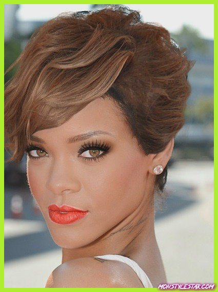 Glamorous Wavy Look- Les coiffures courtes de Rihanna