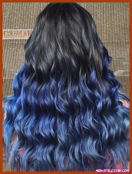 Rockstar Ringlets avec des coiffures Blue Ombre