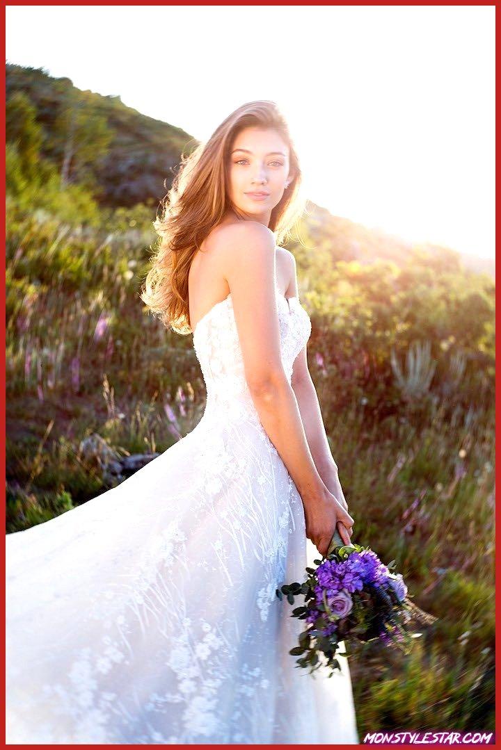 Mon Cheri présente la superbe robe de mariée style Martin Thornburg Coda