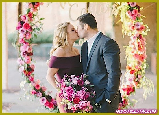 Photo de Magnifique mariage rose shoot avec des installations florales