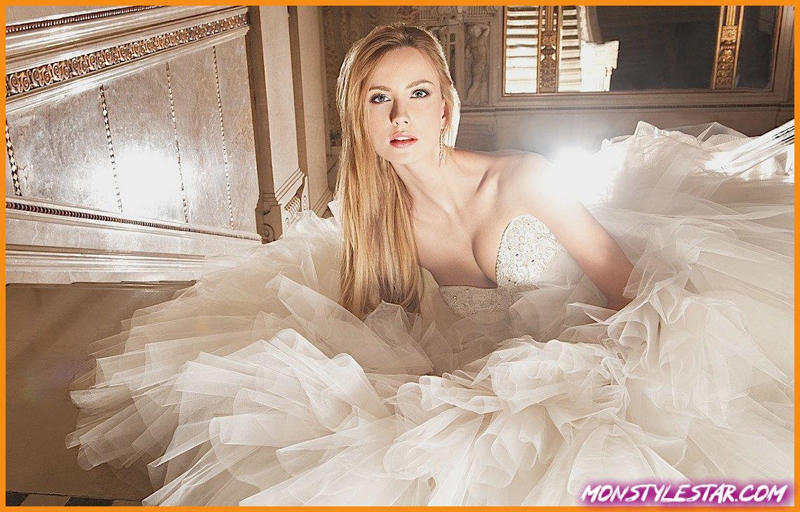 Photo de Demetrios Robes de Mariée avec Perles Cristal Complexe