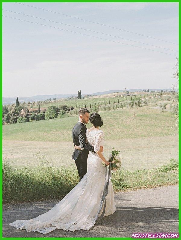 Compréhension revers un anneau sensible parmi les collines de la Toscane