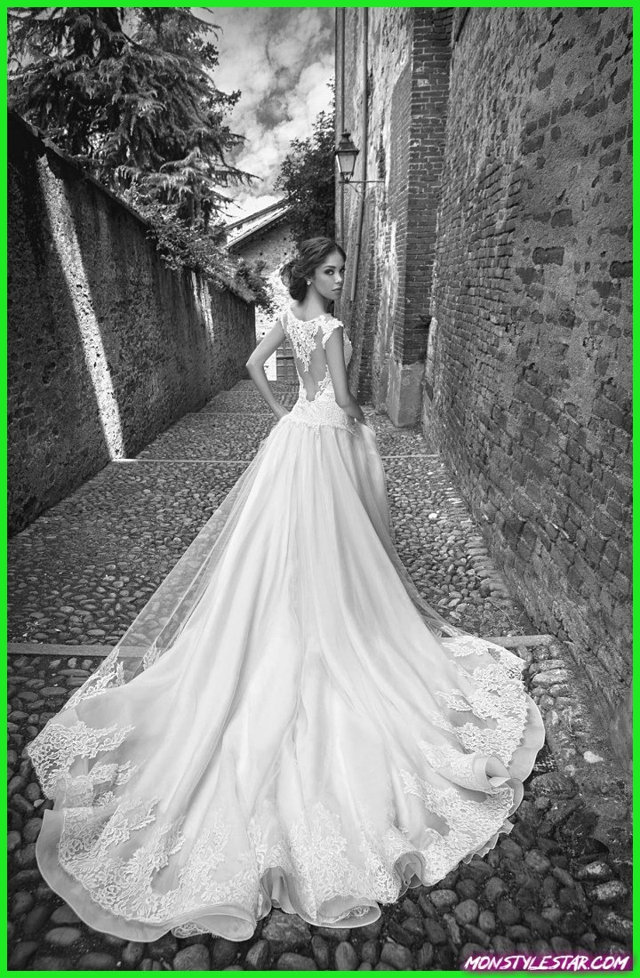 À couper le souffle Belle Alessandra Rinaudo Robes de mariée 2015 Collection de mariée