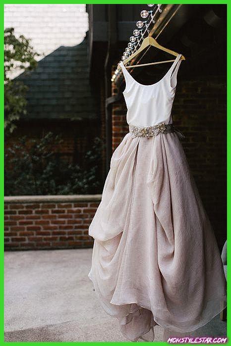 Robes de mariée occasionnels pour le minimaliste