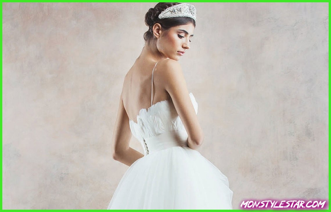 Photo de Robe de mariée du jour: robes incroyablement romantiques de Divine Atelier 2014, partie 2