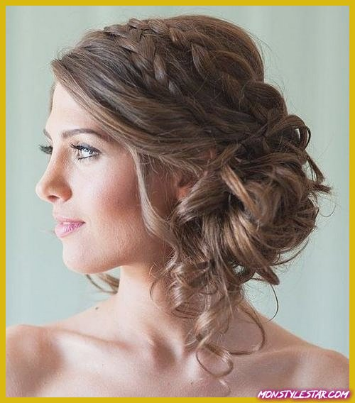 Photo de 20 coiffures frisées moyennes pour chaque occasion