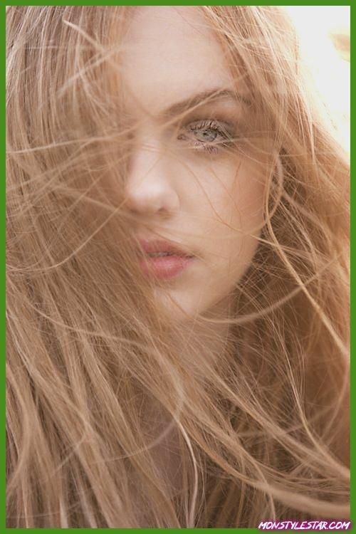 douce couleur de cheveux blonde fraise