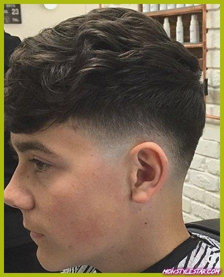 20 coiffures frisées uniques pour hommes