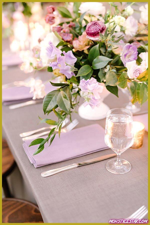 Mariage au violet pourpre et au blush au Texas de Julie Wilhite Photography
