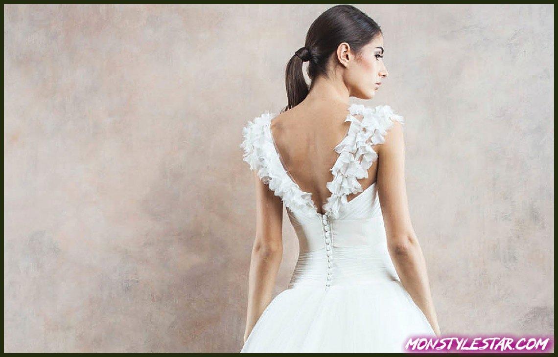 Photo de Robe de mariée du jour: robes incroyablement romantiques de Divine Atelier 2014, partie I