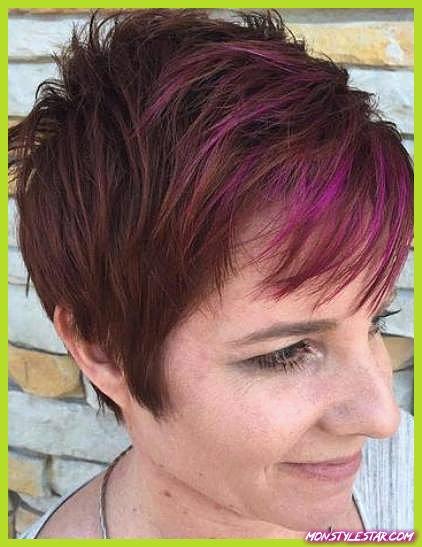 15 coiffures brunes courtes les plus en vogue
