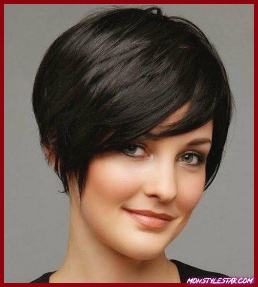 Énormes franges latérales balayées simples coiffures courtes pour les femmes