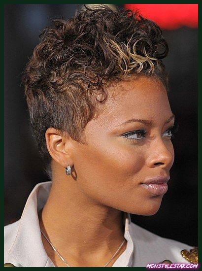 Madame De Pompadour - Coiffures naturelles pour cheveux courts