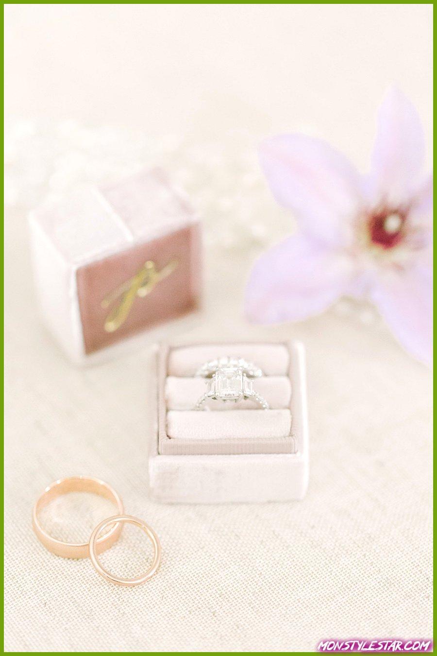 Mariage de printemps rose coloré rempli de fleurs des potographes Love & Light