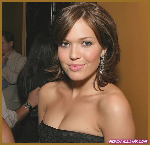 15 coiffures courtes Mandy Moore Funky