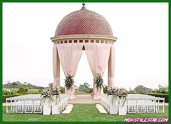 Photo de Mariage rose classique en Californie au Pelican Hill Resort