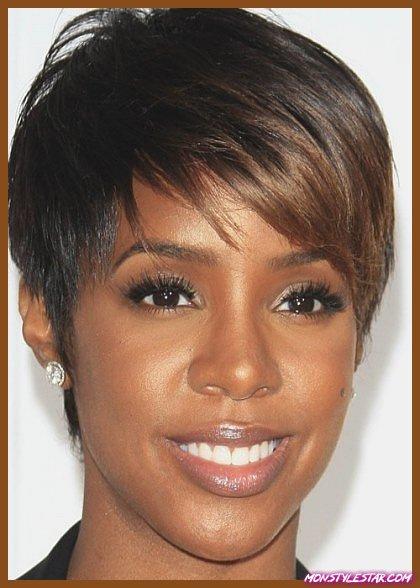 15 superbes coiffures noires avec une frange