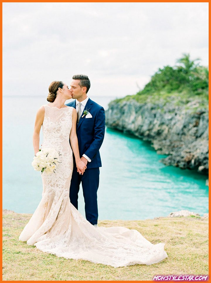 Mariage romantique de destination blanche aux Bahamas de Hunter Ryan Photo