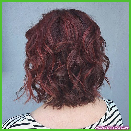 Comment coiffer les cheveux bouclés?