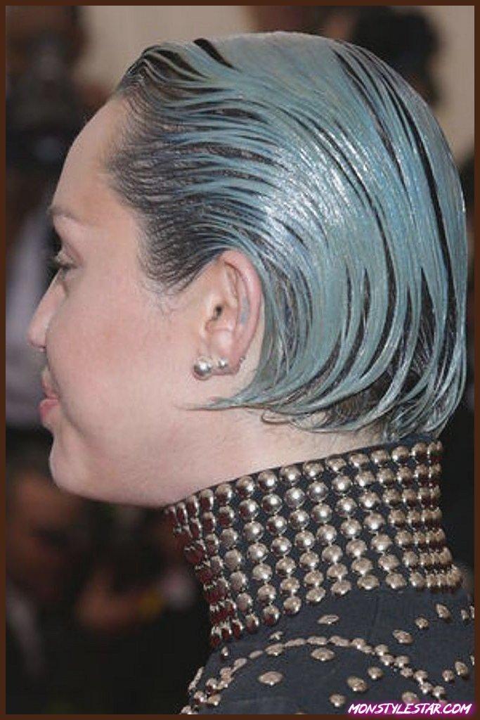 Photo de 15 pires coiffures de célébrités … [Vous serez choqué]